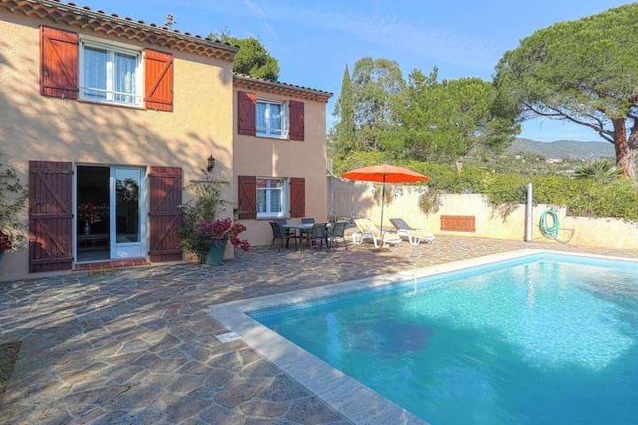Casa de vacaciones provenzal en Bormes-les-Mimosas con piscina