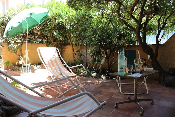 Very pretty villa with terrace 200m from the beach - Agde - Huis
