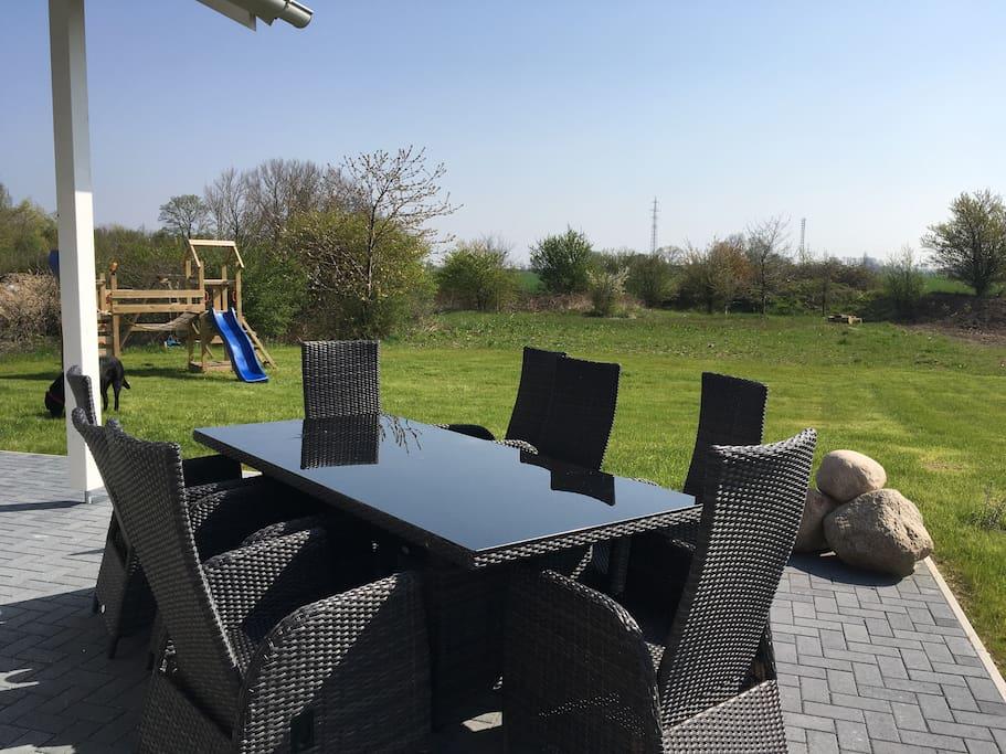 Gartentisch mit 8 Relax Stühlen