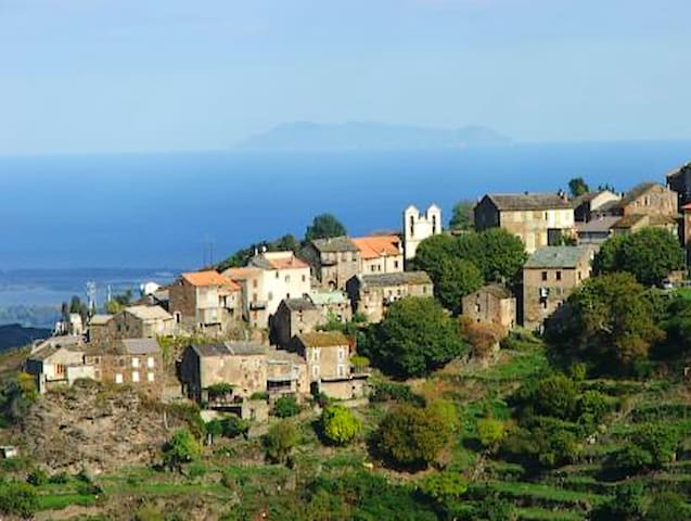 RENTAL 3 rooms sea and mountains in north Corsica