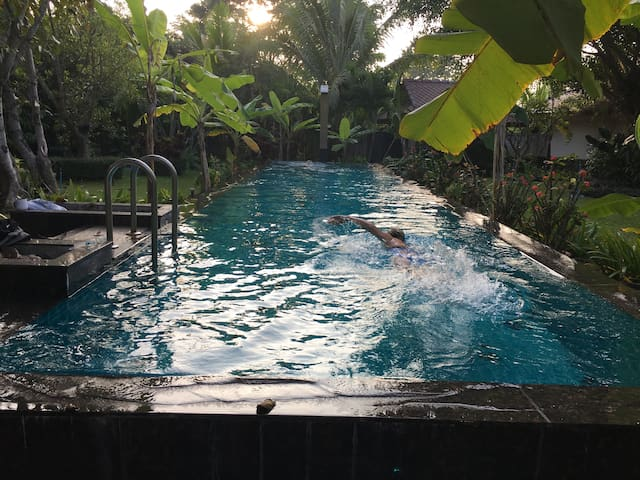 Villa with Private Pool, Breakfast, Airport Pickup