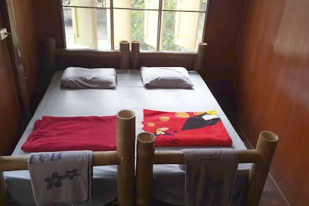 Ann Greenhouse Homestay King Bed - Mueang Chiang Rai - House
