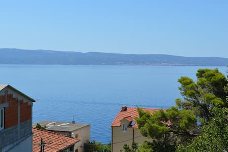 Holiday flat with great view between Split & Omis - Jesenice