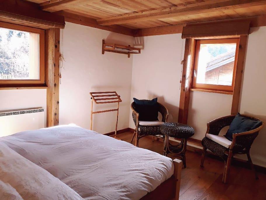 Chambres priv es dans chalet tr s confortable chambres for Chambre d hote suisse