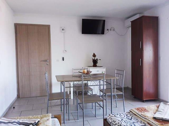 Guest Home Elena