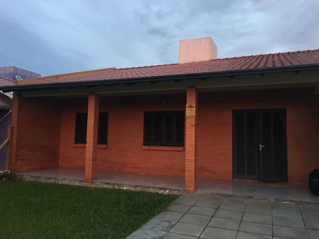 Casa Capão Novo-Ótima Localização e muito conforto - Capão da Canoa - Dům