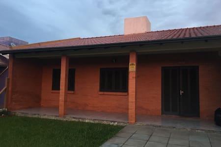 Casa Capão Novo-Ótima Localização e muito conforto - Capão da Canoa - 一軒家