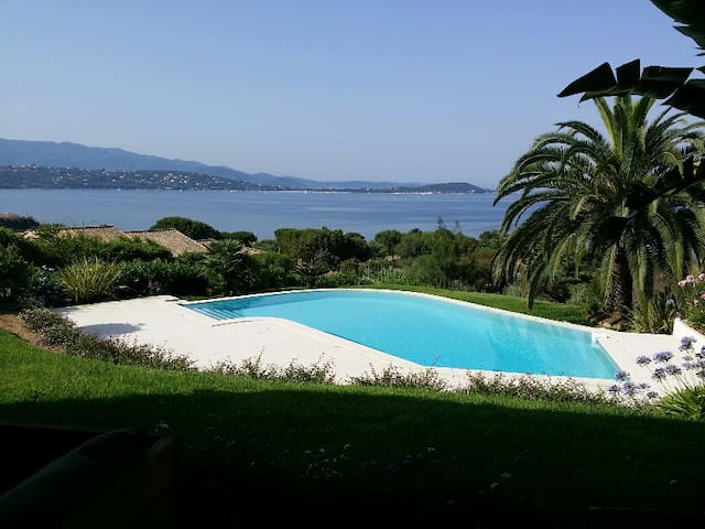 VILLA with INFINITY POOL & SEA VIEW