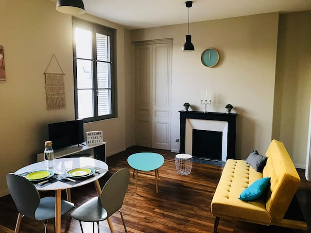 Standing flat in the heart of Tours! 50m²