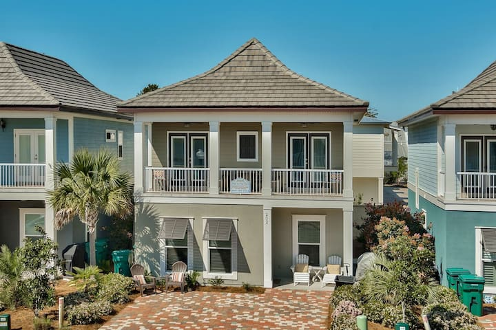 Toes In The Sand - The Villages of Crystal Beach | Destin Comforts