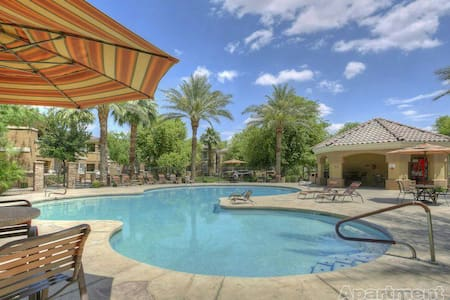 Full Luxury Apt w/ Kitchen & Pool - Litchfield Park - Leilighet