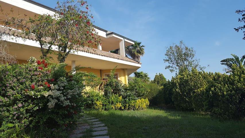 Dada Guest House, Appartamento in villa vista mare