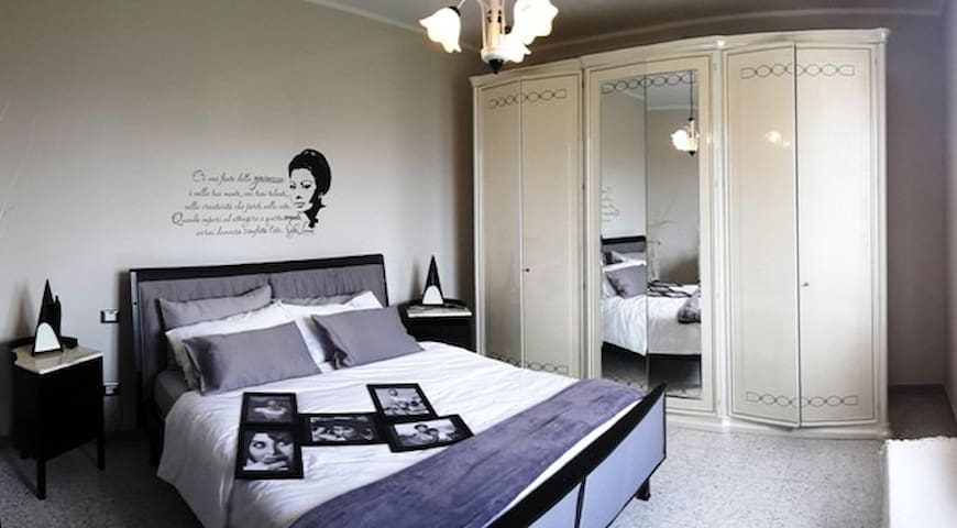 Beautiful double bedroom Sophia - Broccostella - Bed & Breakfast
