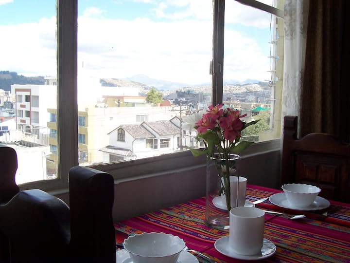 STUDIO FOR TWO - AMAZING VIEWS OF QUITO!!!