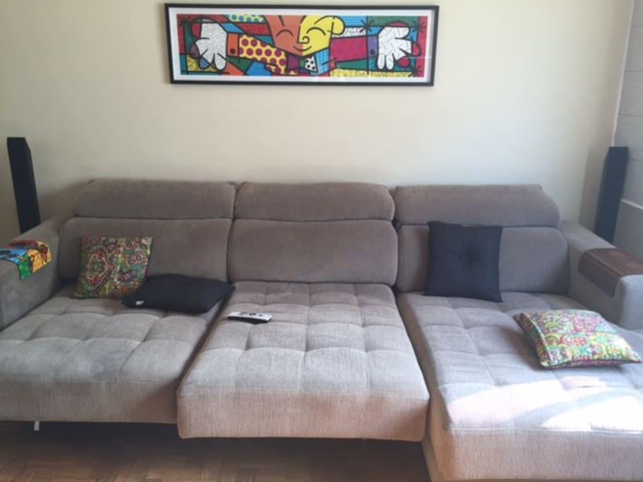 Espaçoso sofá para 6 lugares