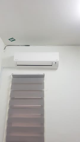 Bedroom's 3 aircond
