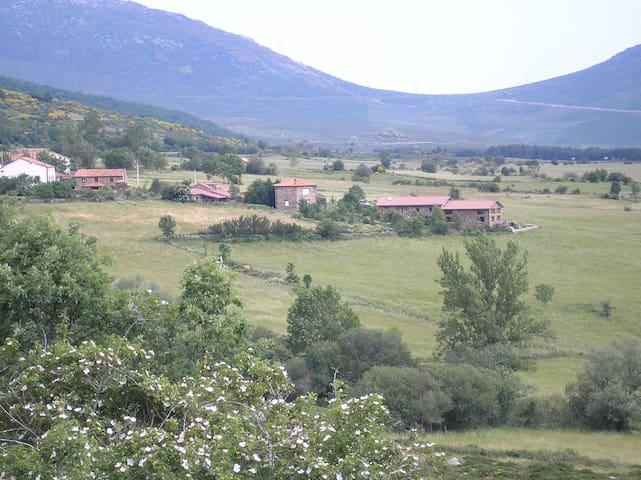 Alojamiento rural en la montaña palentina. - Brañosera - Haus
