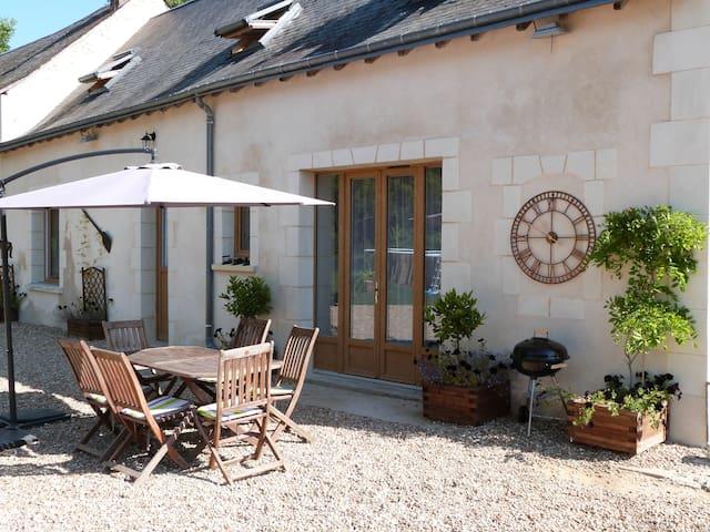 'La Maison', a 2 bed, 2 bath, idyllic retreat - Luceau - Domek gościnny