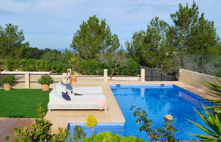 CAN XUMEU is in a countryside with pool & sea view - Illes Balears - Hus
