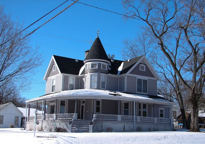 Charming 1860 Victorian Home - The 405