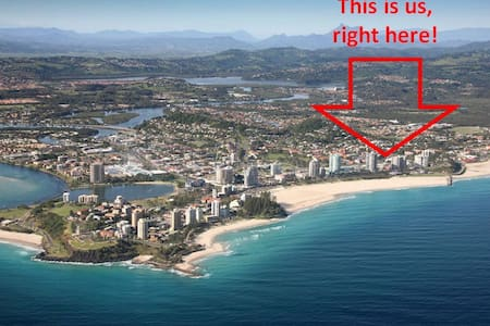Stroll to Beach and Town. Unit 2. - Coolangatta