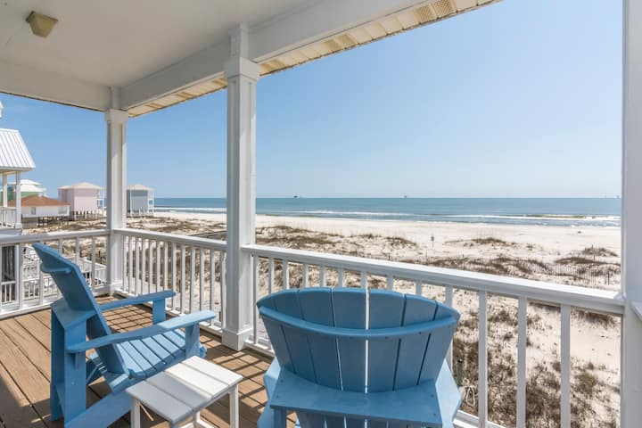 Sand Crab West- Gulf Front relaxing getaway w/Pool