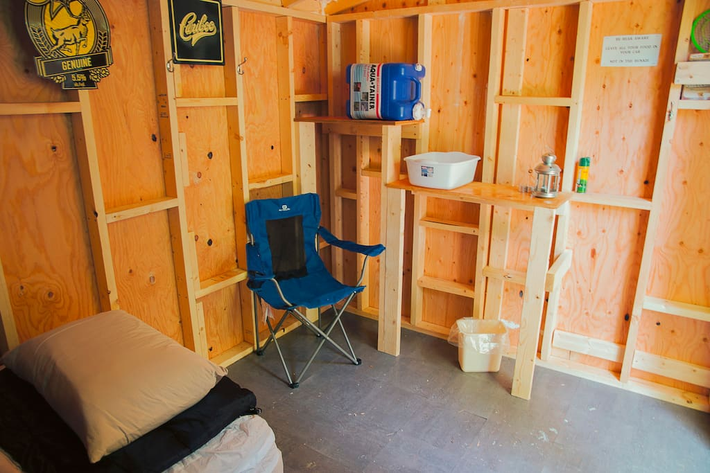 Wash basin and 2 camp chairs in each bunkie