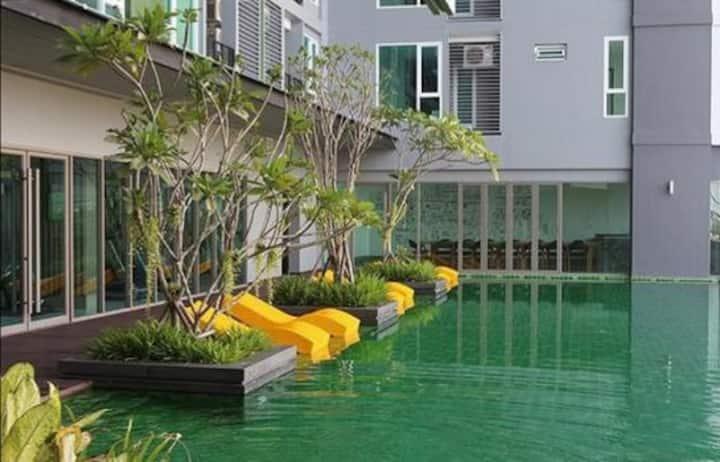 尼斯公寓靠近DMK机场/ Impact Muangthong