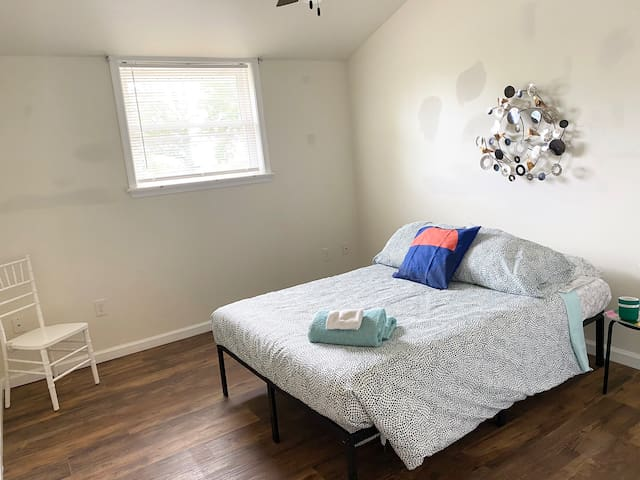 Comfortable room w/ access to KOP & Conshohocken