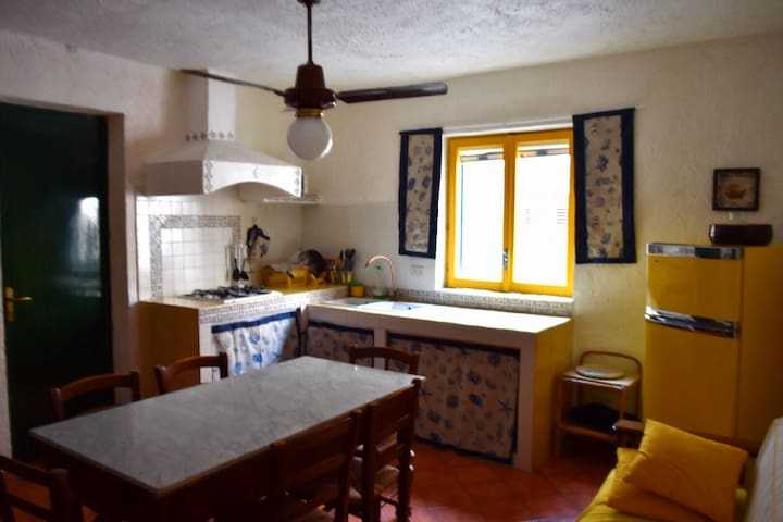 Trivani Nel cuore del paese di Favignana - Apartments for Rent in ...