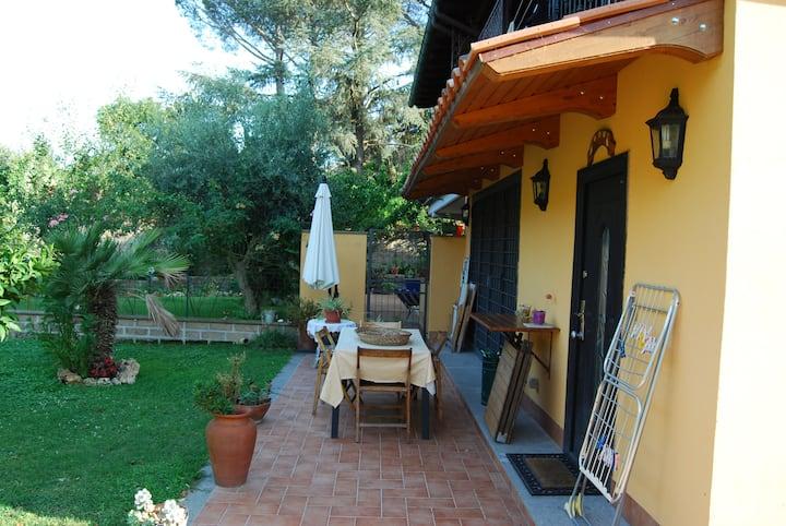 """Monte Lo Riccio"" house. Nice holiday on the Lake"