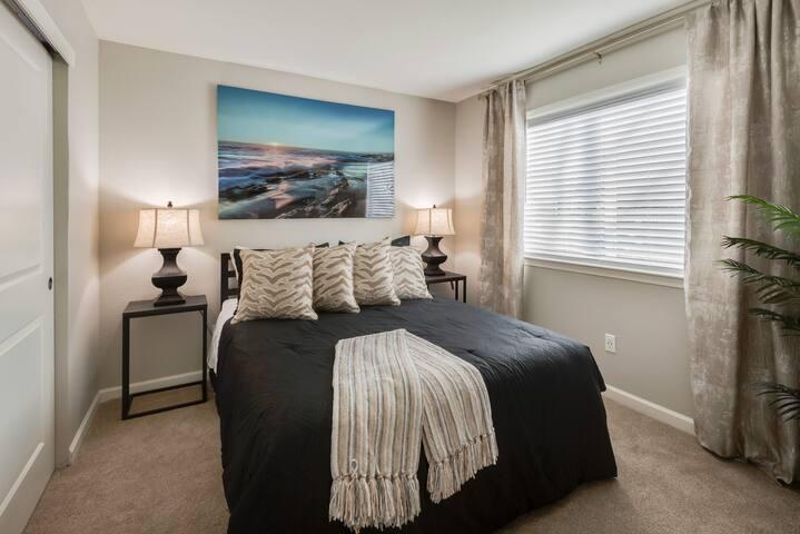 Bedroom 2 w/ HDTV