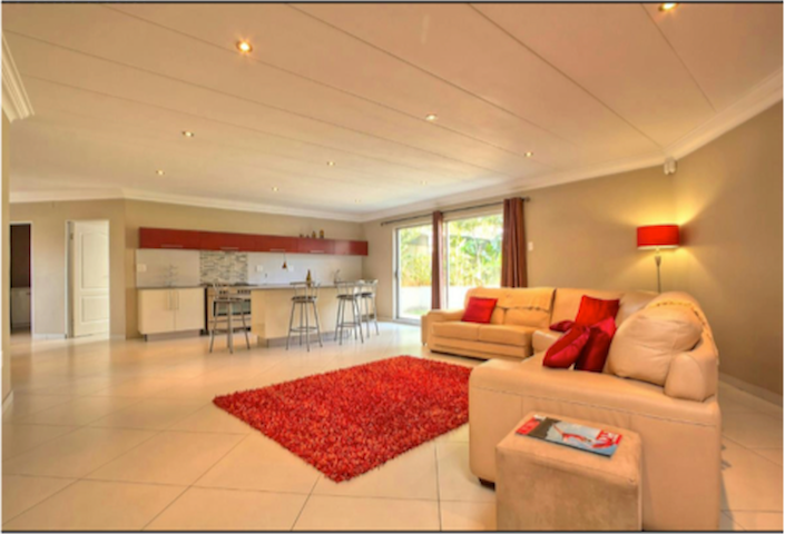 Modern self catering safe flatlet - Benoni - House