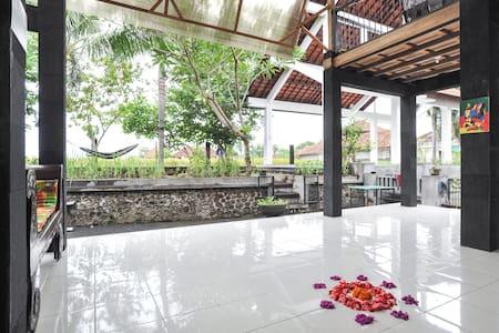 #2.1 Go Bali Relax - Sukawati - Bed & Breakfast