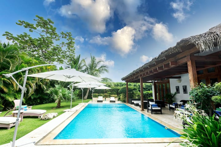 Villa with excellent location. Heart of Cap Cana!