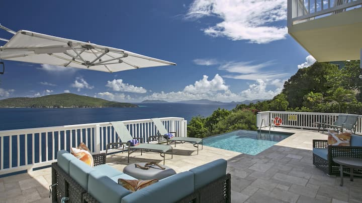 Calypso Delight - 5BR villa with stunning views, just minutes from Magen's Bay!