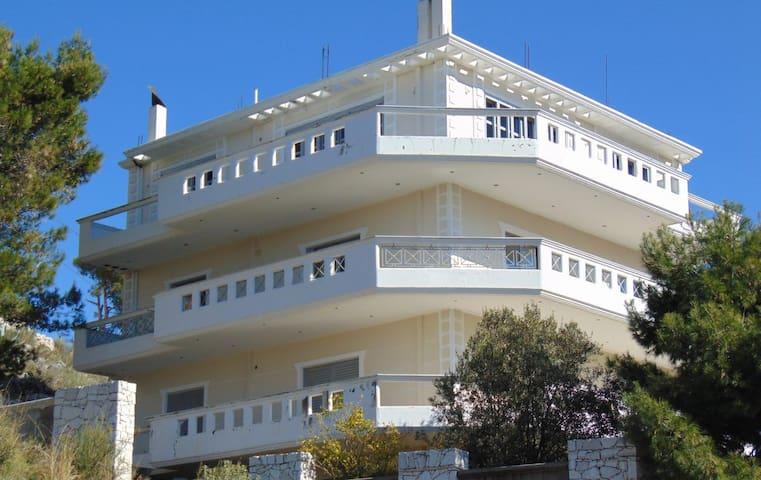 Villa for holidays in Sarande Albania - Sarandë - Villa