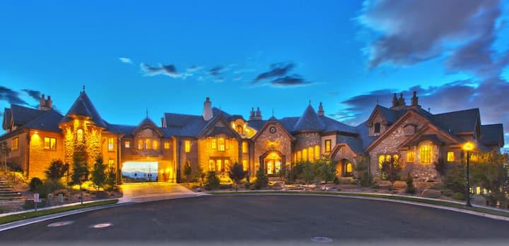 Draper Castle Luxury Apartment