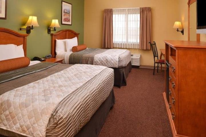Family owned Hotel, 2 Queen standard room
