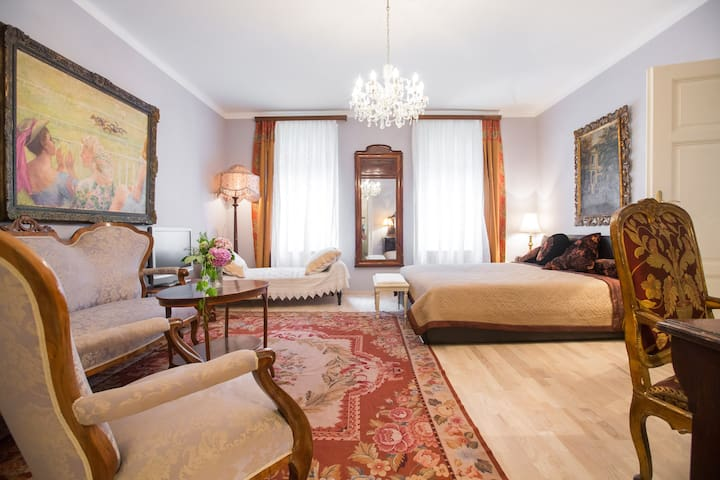Zagreb old town vintage apartment