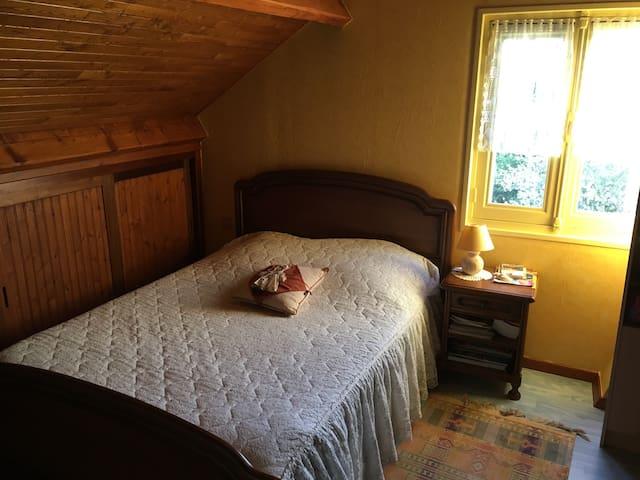 1 étage pr vous : 2 chambres, 1 sdb-wc dans maison - Provins - Maison