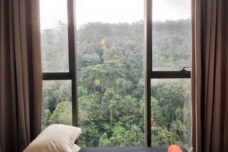 Lanai Relaxation over the Lush of Green Forest - Petaling Jaya - Loft