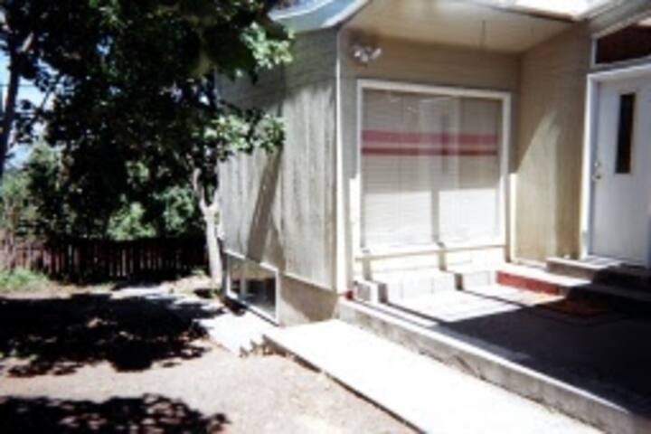 Accommodation a Home Away - Kamloops  4/5 Bdrm