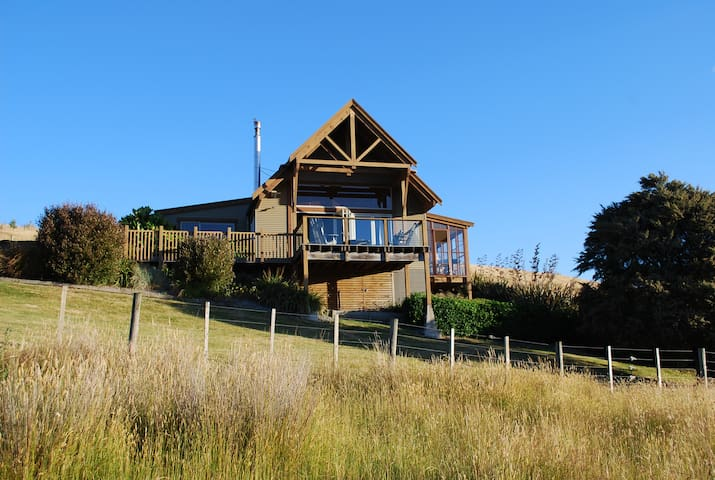 Beautiful lodge on Ruamahanga River - Masterton - Casa