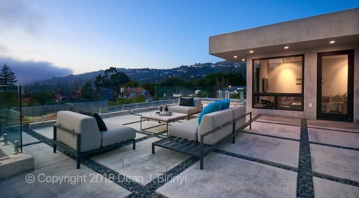 Elite Modern, Luxurious Design, SF Bay Views