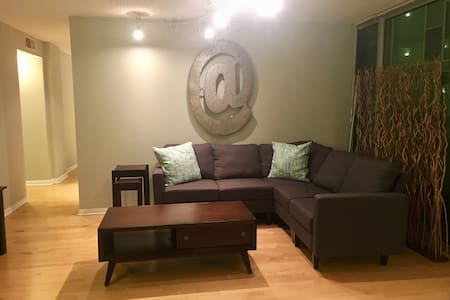 Executively appointed condo ready for guests