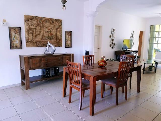 A Perfect Escape for the Family - La Ceiba - Villa