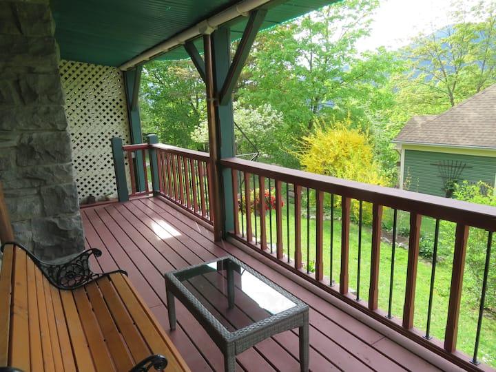 Hillside Garden Suite
