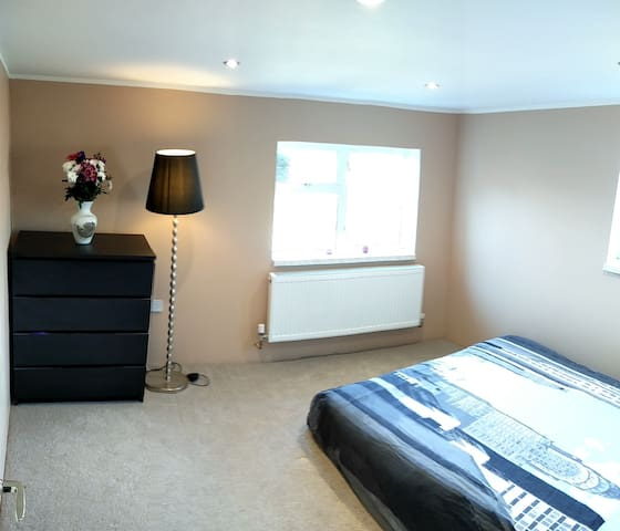 Clean & cozy room+private bathroom - Dublin - House