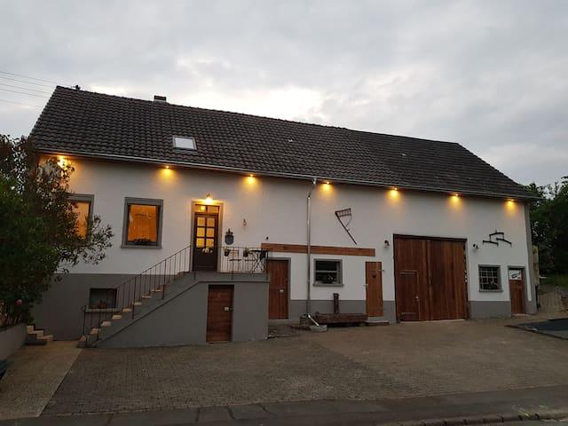 Altes Schreiner Haus in der Vulkaneifel